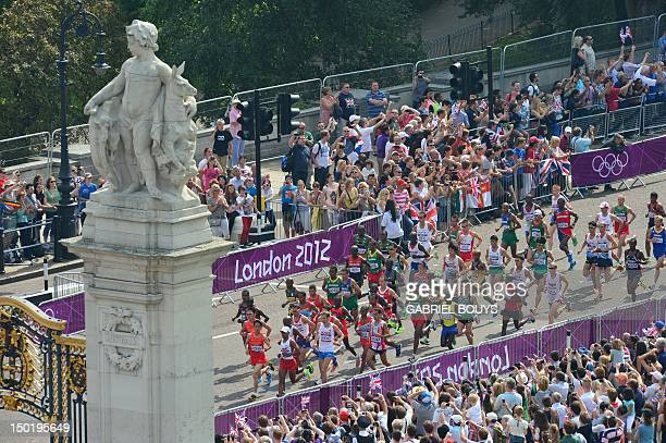 Athletes run during the athletics event men's marathon at the London 2012 Olympic Games on August 12 2012 in London AFP PHOTO / GABRIEL BOUYS