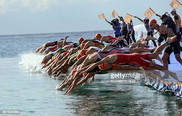 TOPSHOT Athletes taking part in the swimming competition during the ITU World Triathlon Championships 2016 in Cozumel Quintana Roo Mexico on...