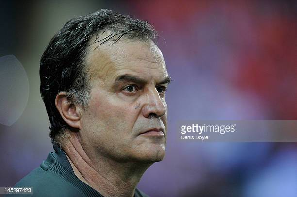 Athletic Bilbao head coach Marcelo Bielsa looks on during the Copa del Rey Final between Athletic Bilbao and Barcelona at Vicente Calderon Stadium on...