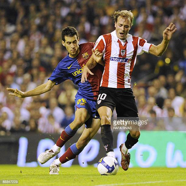 Athletic Bilbao's Fran Yeste vies with Barcelona's Sergi Busquets during a Spanish league football match on October 19 2008 at the San Mames stadium...
