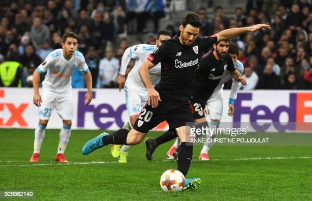 Athletic Bilbao's Spanish forward Aritz Aduriz kicks a penalty during the UEFA Europa League football match between Marseille and Atletic Bilbao on...