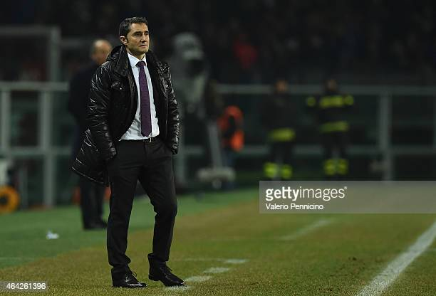 Athletic Club head coach Ernesto Valverde watches the action during the UEFA Europa League Round of 32 match between Torino FC and Athletic Club on...