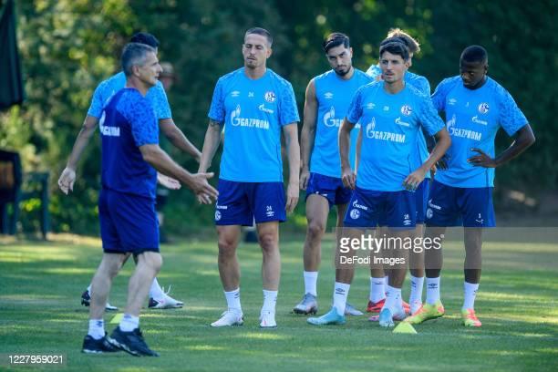 Athletic coach Werner Leuthard of FC Schalke 04, Bastian Oczipka of FC Schalke 04, Suat Serdar of FC Schalke 04, Alessandro Schoepf of FC Schalke 04...