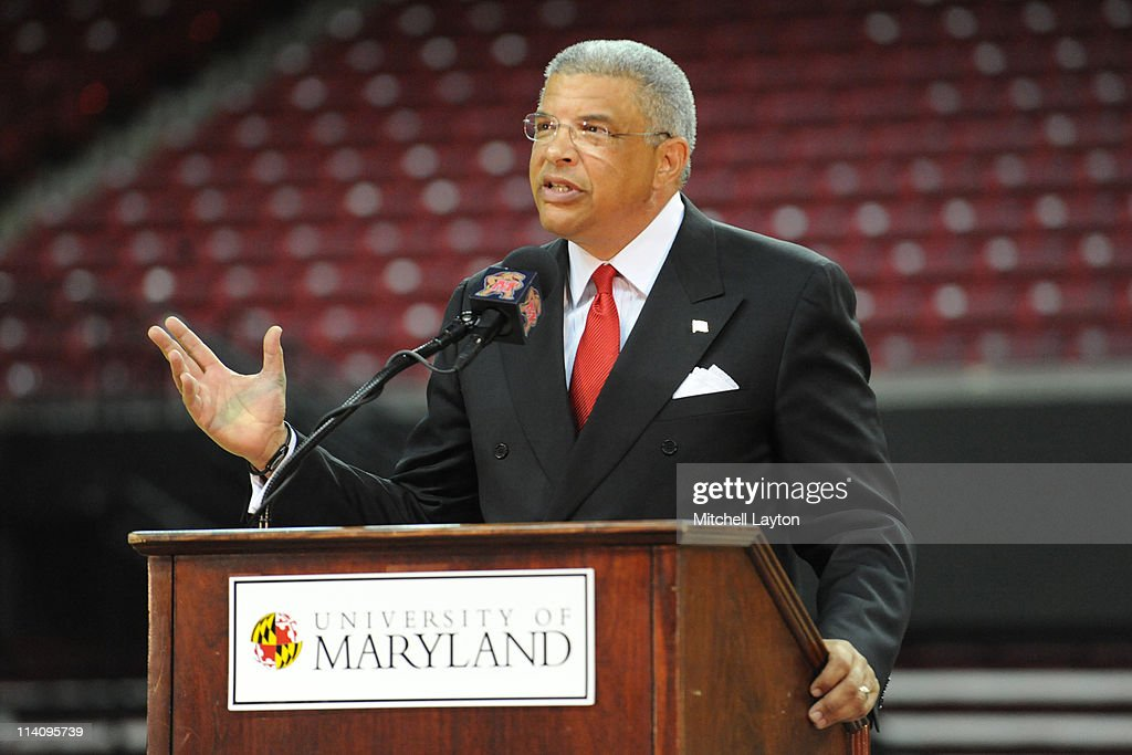 Maryland Basketball Coach Gary Williams Announces Retirement : News Photo