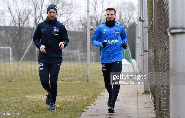 athletic trainer Hendrik Vieth and Vladimir Darida of Hertha BSC during the training session at the Schenkendorfplatz on march 6 2018 in Berlin...