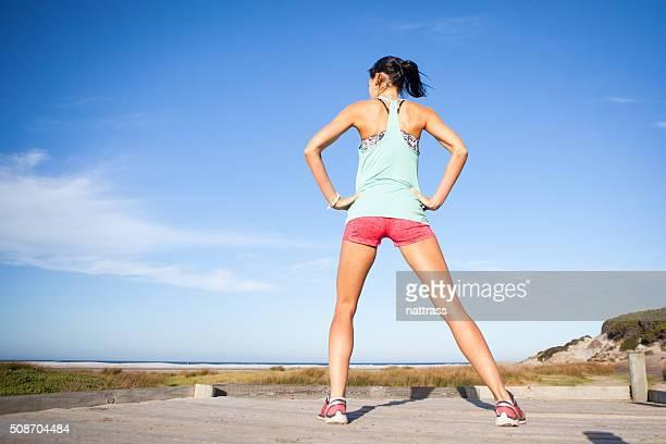競技の女性彼女のように運行しております。
