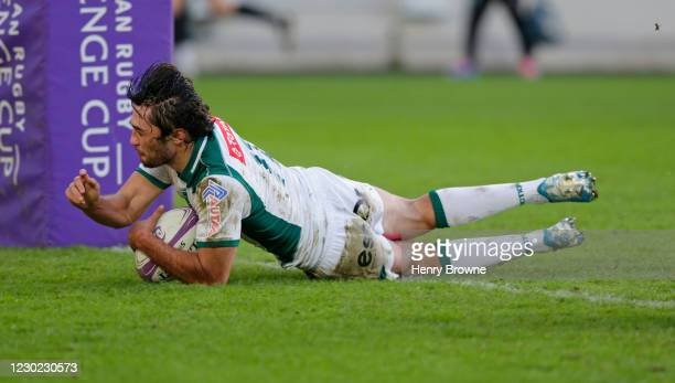 Atila Septar of Pau scores his sides first try during the European Rugby Challenge Cup match between London Irish and Pau at Brentford Community...
