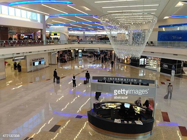de l'aéroport d'atlanta - mezzanine photos et images de collection