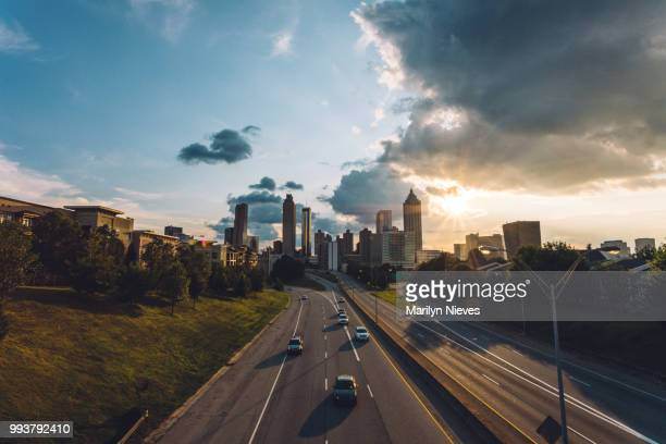 atlanta cityscape - atlanta skyline stock pictures, royalty-free photos & images