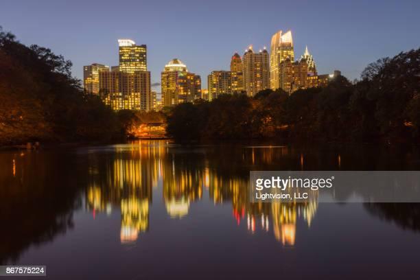 atlanta downtown skyline, georgia - piedmont park atlanta georgia stock pictures, royalty-free photos & images