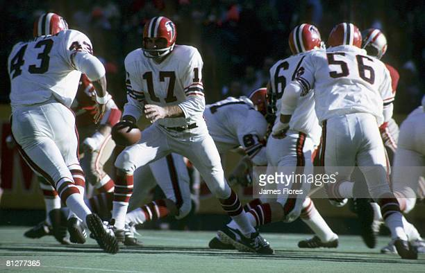 Atlanta Falcons quarterback Bob Berry hands off to running back Dave Hampton during a 200 loss to the San Francisco 49ers on December 10 at...