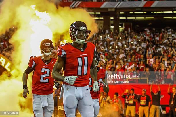 Atlanta Falcons quarterback Matt Ryan and Atlanta Falcons wide receiver Julio Jones take the field before the NFC Divisional Playoff game between the...