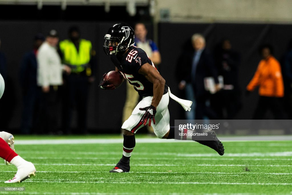 NFL: OCT 22 Giants at Falcons : News Photo