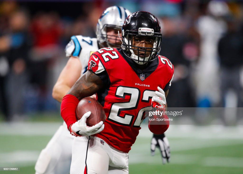 online store 3b322 d7a65 ... Nike red home elite NFL jersey Atlanta Falcons strong safety Keanu Neal  (22) rushes after making an interception during an ...