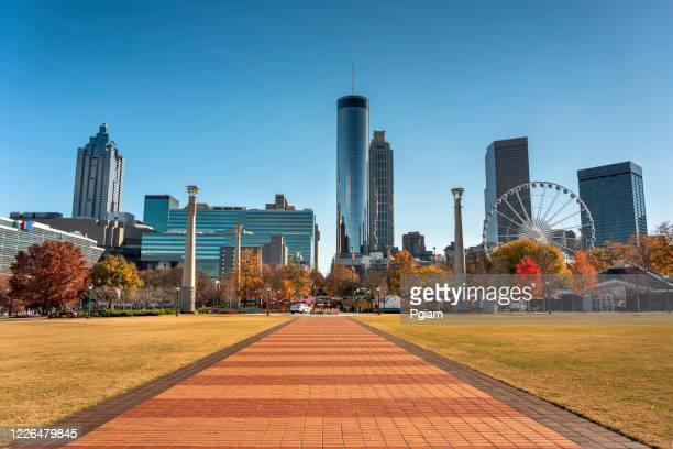 atlanta georgia downtown city skyline - atlanta skyline stock pictures, royalty-free photos & images