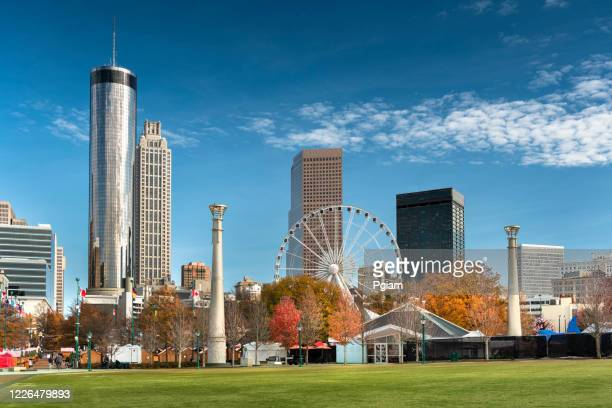 atlanta georgia downtown city skyline - atlanta georgia stock pictures, royalty-free photos & images
