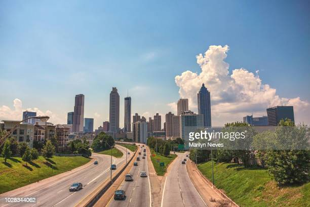 atlanta skyline in the day - atlanta skyline stock pictures, royalty-free photos & images
