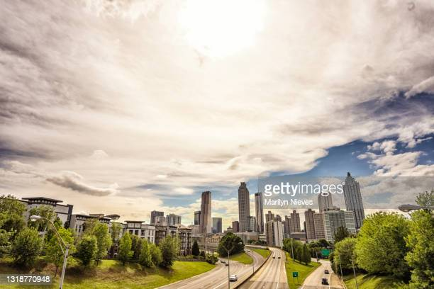 """atlanta skyline on beautiful sunny day - """"marilyn nieves"""" stock pictures, royalty-free photos & images"""