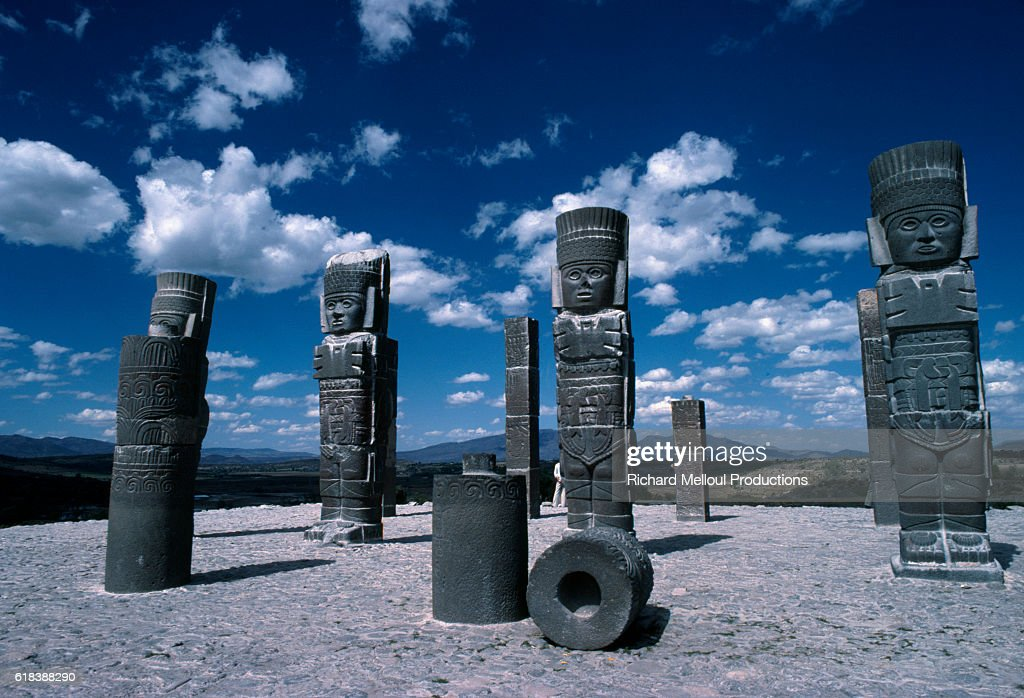 Atlantes Statues Representing Toltec Warriors in Central Mexico : Photo d'actualité