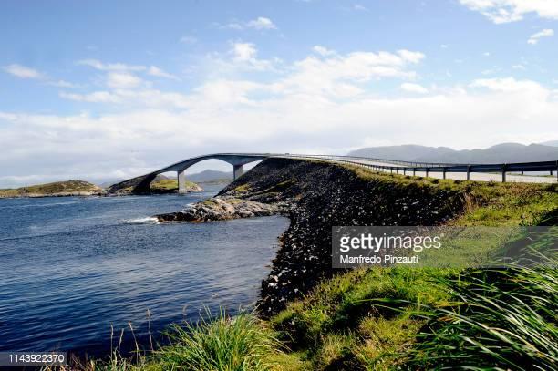 atlantic ocean road . - atlantic road norway photos et images de collection