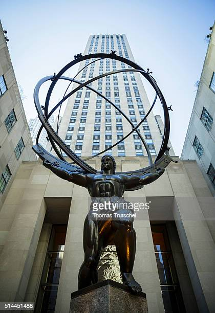 New York United States of America February 27 Atlas statue of the artist Lee Lawrie in front of the Rockefeller Center in Manhattan on February 27...