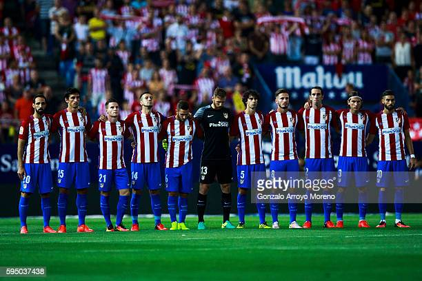 Atletico de Madrid players observe one minute of silence in memory of deceased Club Atletico de Madrid members on 2016 prior to start the La Liga...