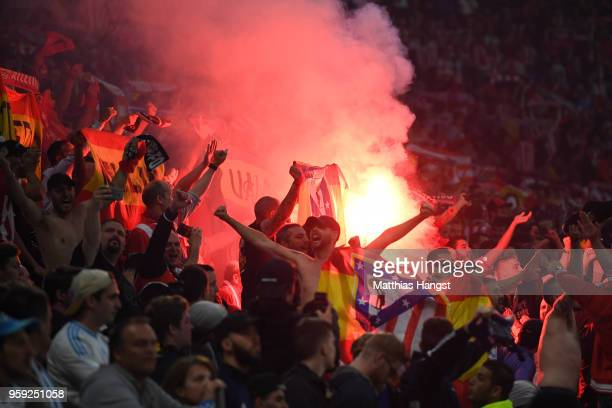 Atletico Madrid fans celebrate after Antoine Griezmann of Atletico Madrid scores the opening goal of the game during the UEFA Europa League Final...