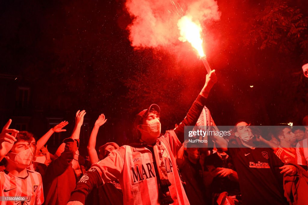 Atletico Madrid Fans Party In Streets Of Capital After La Liga Win : News Photo