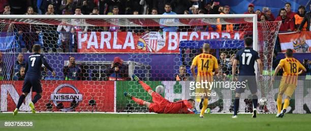 FUSSBALL Atletico Madrid FC Barcelona Antoine Griezmann erzielt das Tor zum 20 per Elfmeter gegen Torwart Marc Andre ter Stegen