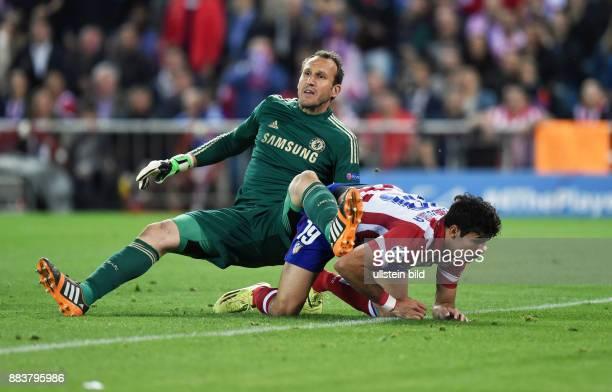 FUSSBALL CHAMPIONS Atletico Madrid FC Chelsea Torwart Mark Schwarzer gegen Diego Costa