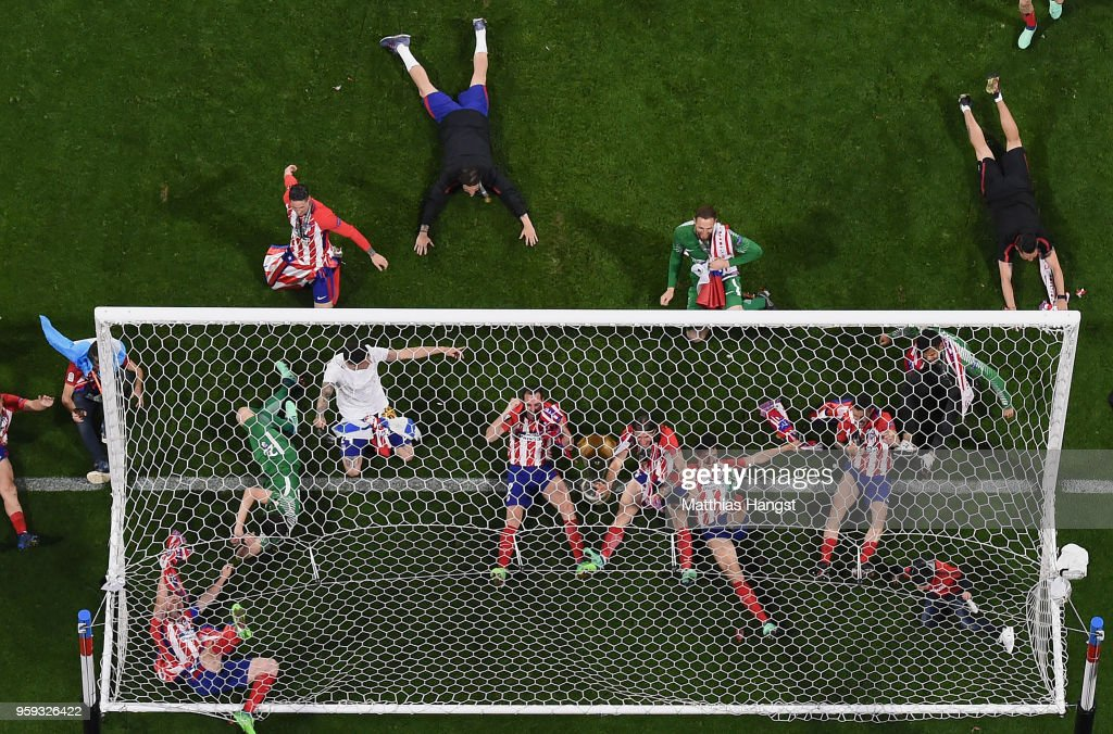 Atletico Madrid players celebrate following the UEFA Europa League Final between Olympique de Marseille and Club Atletico de Madrid at Stade de Lyon on May 16, 2018 in Lyon, France.
