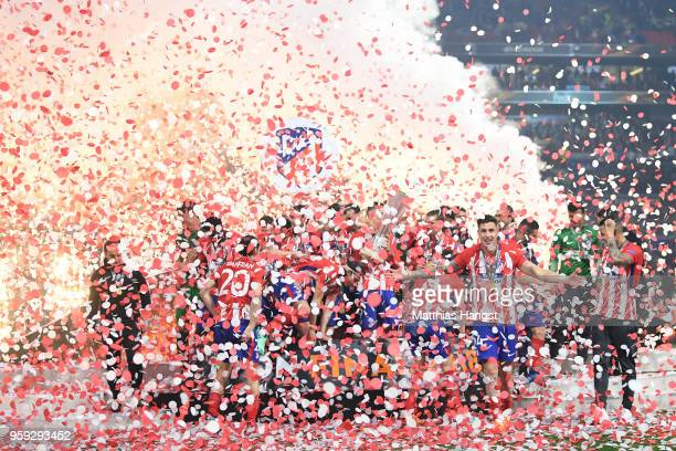 Atletico Madrid players celebrate with The Europa League trophy after winning the UEFA Europa League Final between Olympique de Marseille and Club...