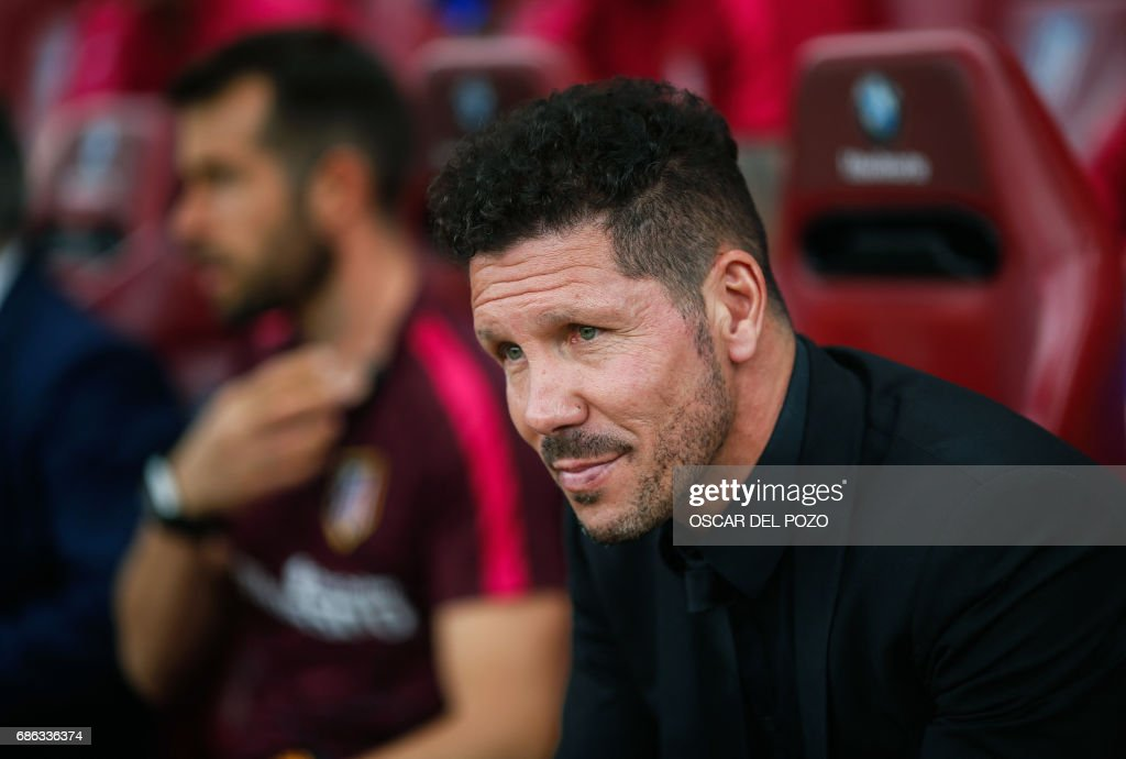 Atletico Madrid's Argentinian coach Diego Simeone looks on before the Spanish league football match Club Atletico de Madrid vs Athletic Club Bilbao at the Vicente Calderon stadium in Madrid on May 21, 2017. /
