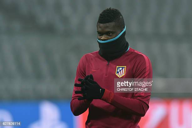 Atletico Madrid's Ghanaian midfielder Thomas Partey follows the final team training in the stadium in Munich, on December 5, on the eve of the UEFA...
