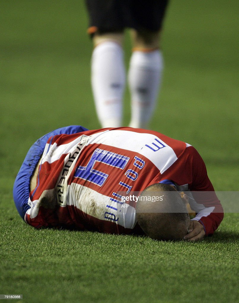 Atletico Madrid's Mario Pernia reacts during their Spanish King cup football match at Mestalla Stadium in Valencia, 23 January 2008.