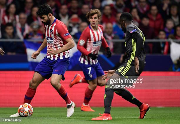 Atletico Madrid's Spanish forward Diego Costa controls the ball during the UEFA Champions League round of 16 first leg football match between Club...