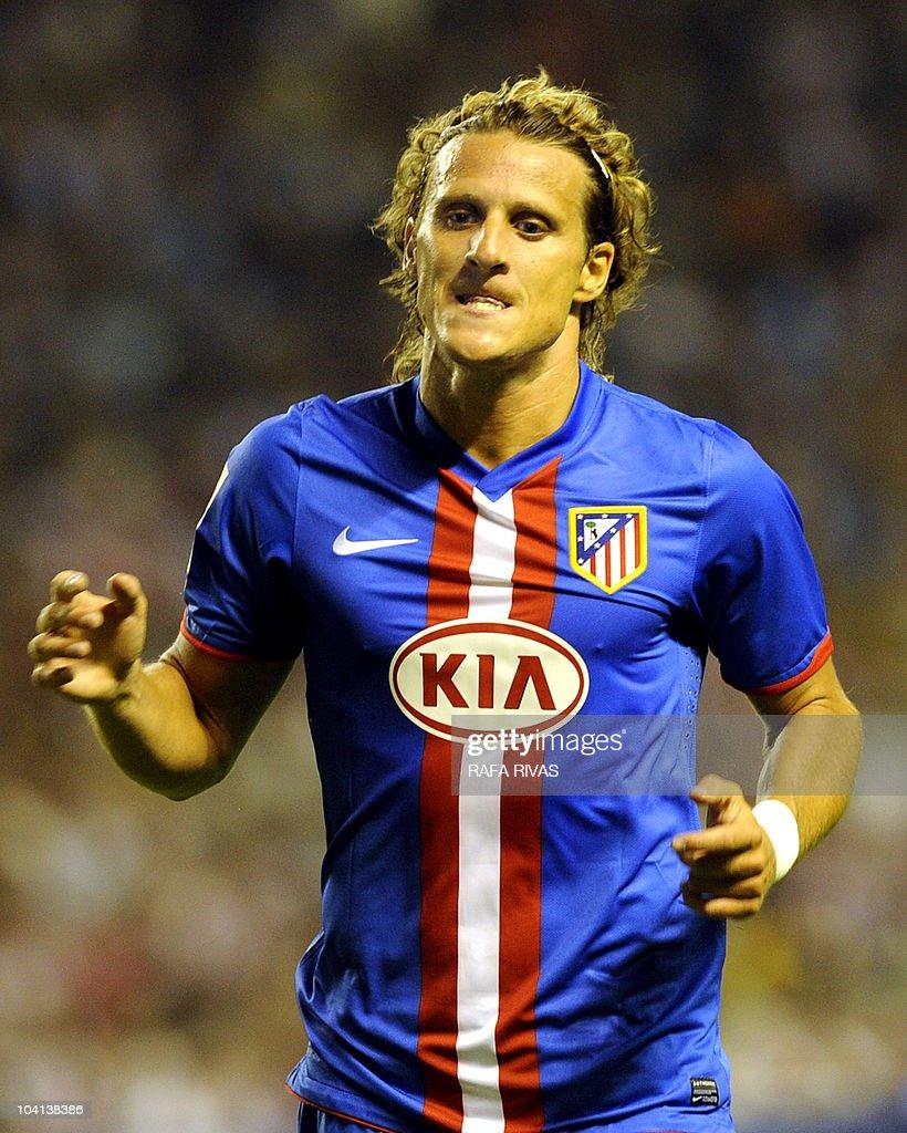Atletico Madrid's Uruguayan Diego Forlan : News Photo