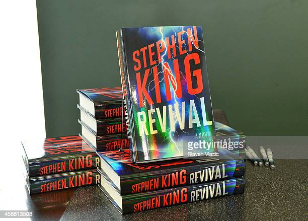 """Atmosphere at author Stephen King's """"Revival"""" book signing at Barnes & Noble Union Square on November 11, 2014 in New York City."""