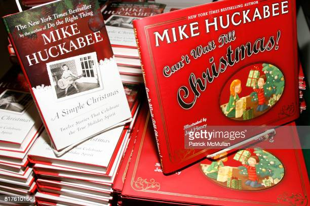 """Atmosphere at book signing of Mike Huckabee's """"Can't Wait Till Christmas"""" and """"A Simple Christmas"""" at BookEnds on December 4th, 2010 in Ridgewood,..."""