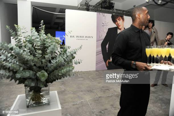 Atmosphere at BURBERRY Live 3D streaming of AW10 Womenswear show at Skylight Studio on February 23 2010 in New York City