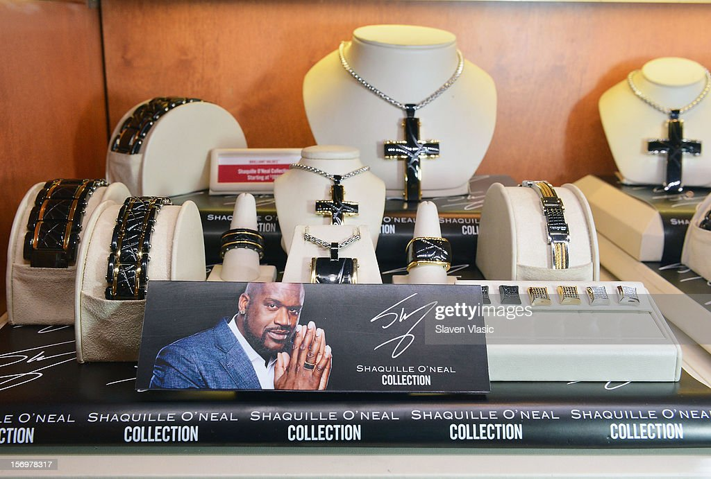 Atmosphere at Shaquille O'Neal's launch of his new men's jewelry line with Zales on November 26, 2012 in New York City.