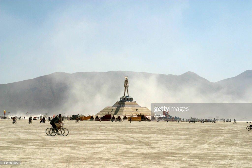 2003 Burning Man Festival : ニュース写真