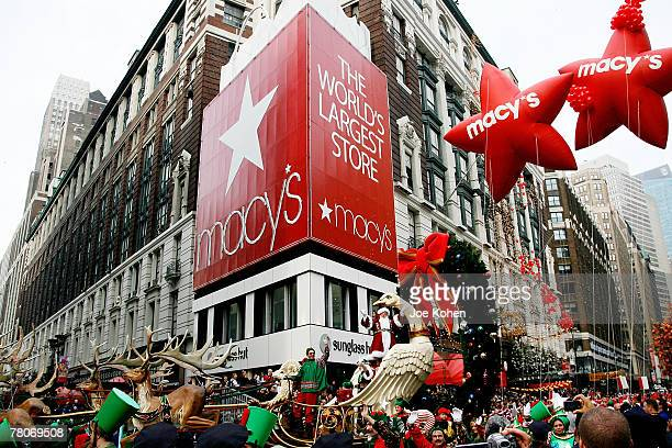 Atmosphere at the 81st Annual Macy's Thanksgiving Day Parade on November 22 2007 in New York City