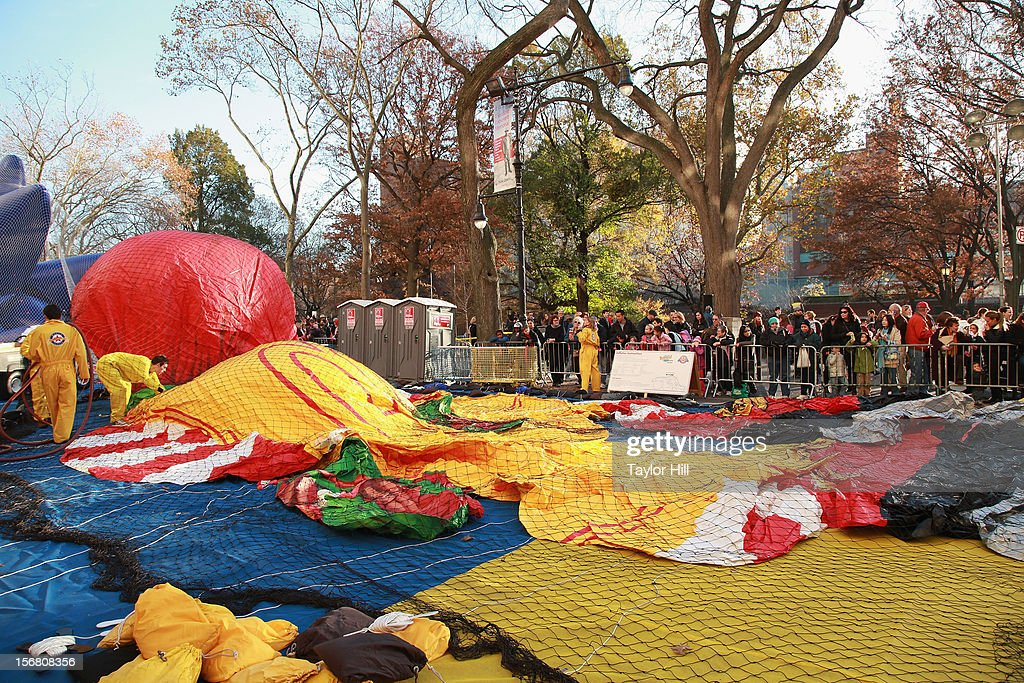 Atmosphere at the 86th Annual Macy's Thanksgiving Day Parade's 'Inflation Eve' on November 21, 2012 in New York City.
