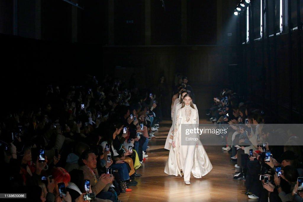 Beautiful People : Runway - Paris Fashion Week Womenswear Fall/Winter 2019/2020 : ニュース写真