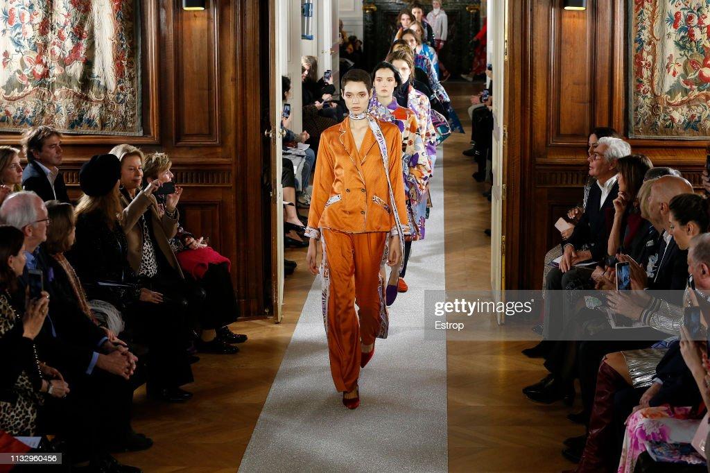 Leonard Paris : Runway - Paris Fashion Week Womenswear Fall/Winter 2019/2020 : ニュース写真