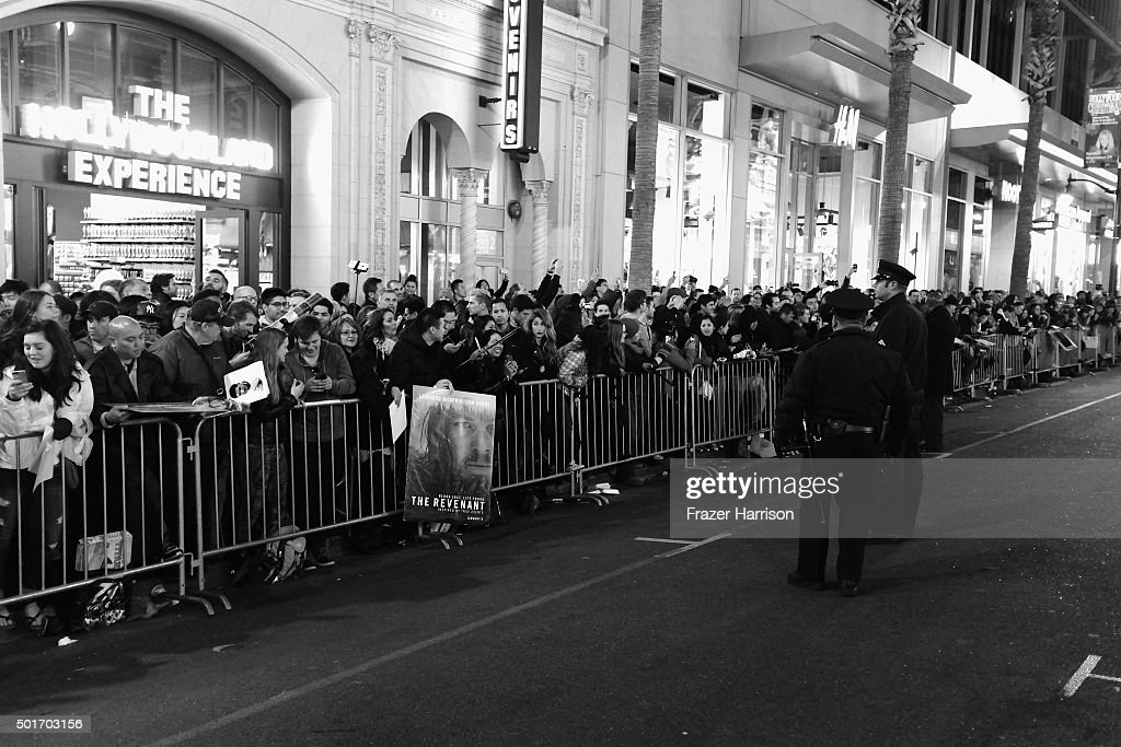 """An Alternative View Of The Premiere Of 20th Century Fox And Regency Enterprises' """"The Revenant"""" : News Photo"""
