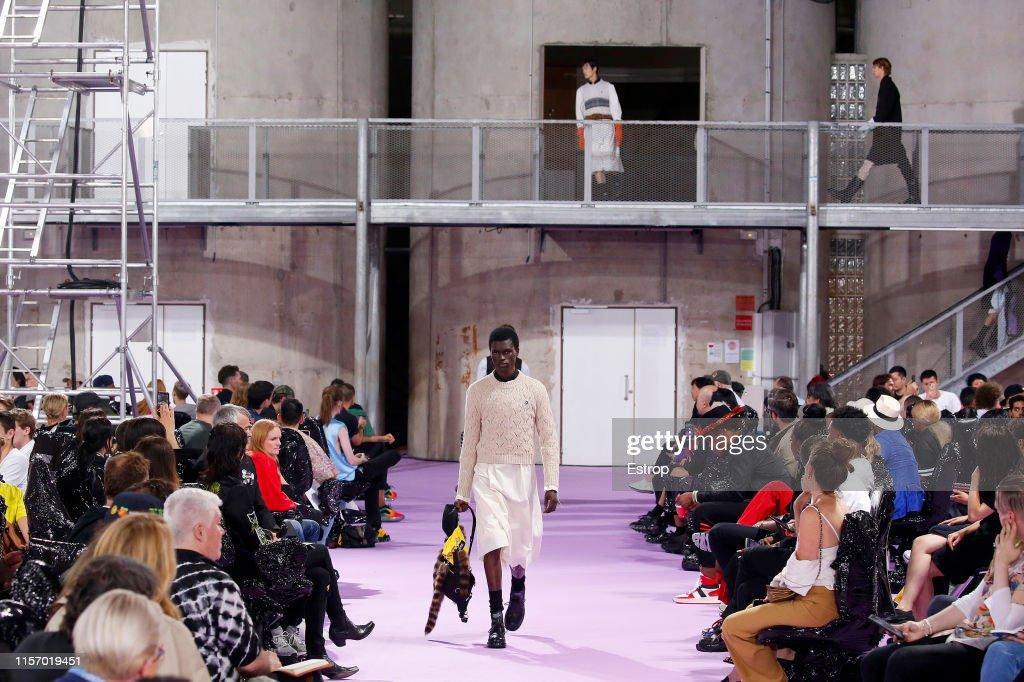 Raf Simons : Details - Paris Fashion Week - Menswear Spring/Summer 2020 : ニュース写真