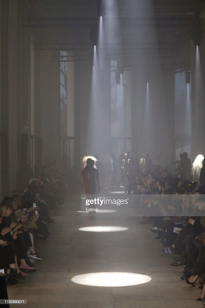 Rick Owens : Runway - Paris Fashion Week Womenswear Fall/Winter 2019/2020 : ニュース写真