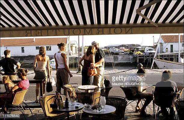 Atmosphere at The Terrace of the 'Black Coffee' The trendy bar of Noirmoutier in Noirmoutier Island in Ile de Noirmoutier France on October 17th 2005